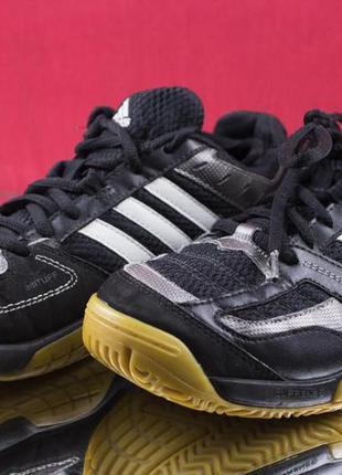 Кросівки adidas р38
