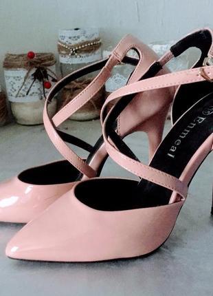 Базовые женские туфли, босоножки