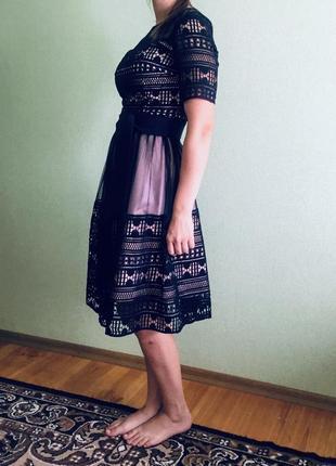 Очень красивое платье. дорогое кружево
