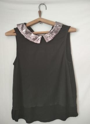 14 блуза черная 2-х слойная с блестящим воротником, размер 46, длина 60 см.