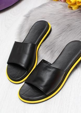 Шикарные шлёпки из натуральной кожи чёрные с желтым