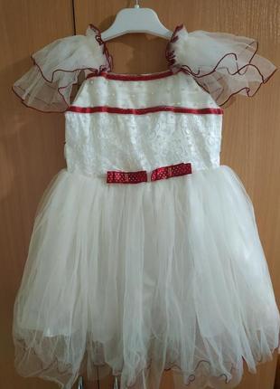 Платье нарядное, пышное 2-5 лет