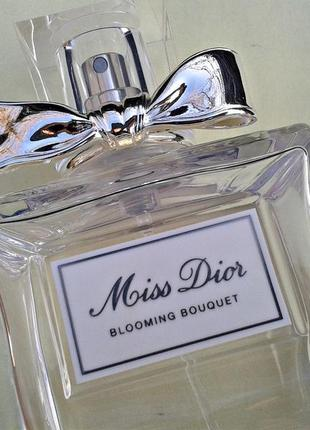 Christian dior miss dior blooming bouquet флакон