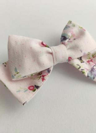 Заколка для волосся бантик жабка дрібні квіти на рожевому