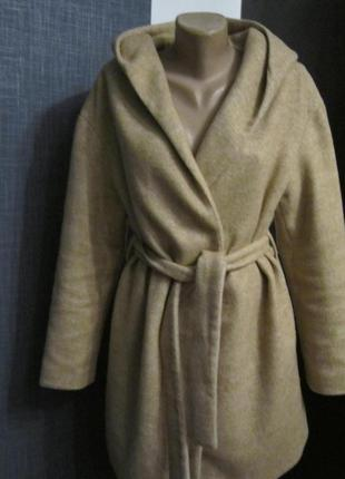 Пальто на запах с капюшоном