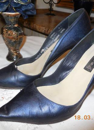 Туфли тёмно синего цвета ( италия )