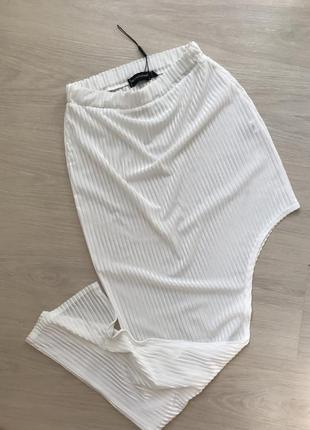 Сексапильная летняя юбка с высокой талией и разрезом сбоку