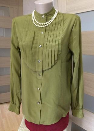 Красивая элегантная блузка из натурального шелка