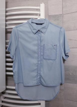 Джинсовая легкая рубашка укороченная