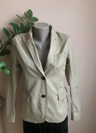 Фирменный котоновый пиджак, жакет от peak performance s швеция песочного цвета