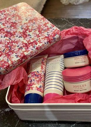 Подарочный набор в жестяной коробке joules