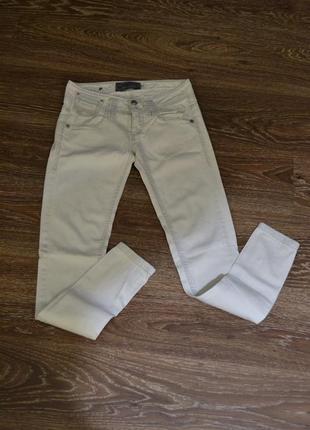 Білі джинси bershka белые джинсы