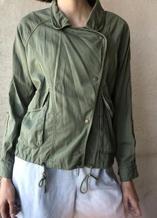 Куртка roxy с завораживающей спинкой