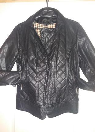 Стеганная куртка-косуха из кожзама