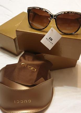 Солнцезащитные женские очки gucci