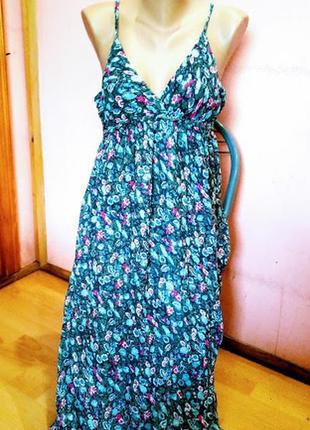 Длинное летнее платье на бретелях от бренда  amisu