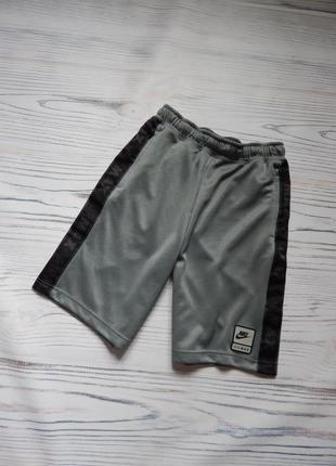 🌿подростковые спортивные шорты с лампасами от nike оригинал. возраст 12-13🌿