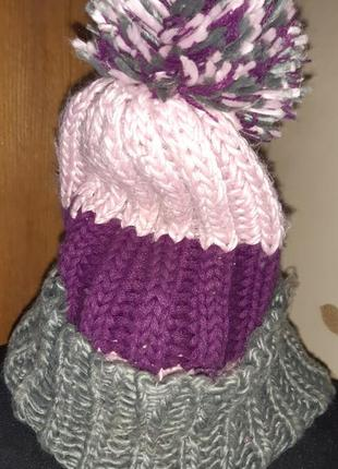 Рожево фіолетова шапочка помпон