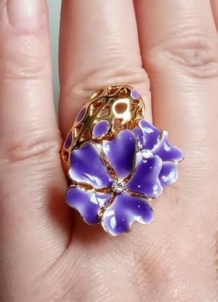Роскошное массивное кольцо 19,5  размер с золотым покрытием и эмалью италия