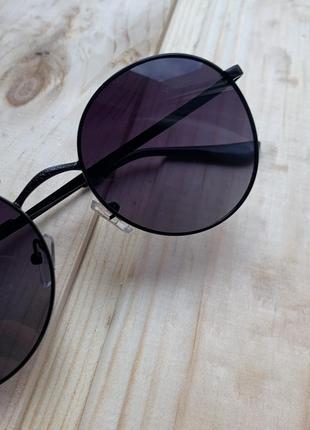 Солнцезащитные круглые очки, в подарок чехол и салфетка по уходу окуляр