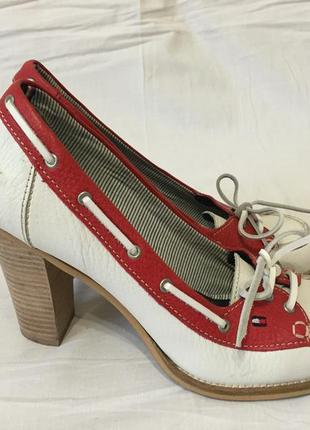 Туфли на высоком каблуке 37 размера