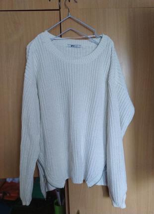 Белый свитер от ginatricot