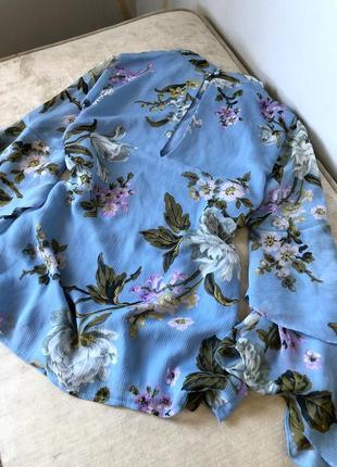 Нежная блуза в цветы с прозрачной ткани