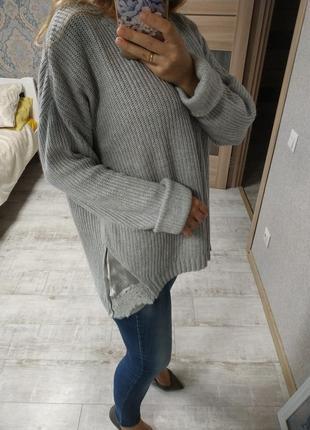 Очень нежный свитер с атласными вставками по бокам