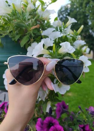 Солнцезащитные очки модные очки черные очки в золотой оправе