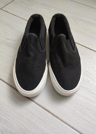Стильные кеды мокасины слипоны черные с белым new look 36