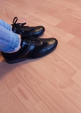 Португалия,люкс!новые!шикарные,красивенные,кожаные кроссовки, кросовки,мега комфортные
