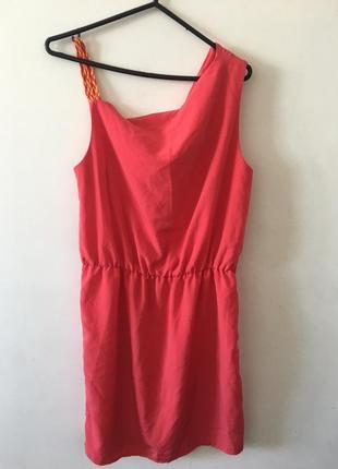 Брендовое летнее платье цвета коралл