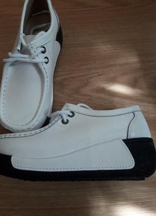 Модные летние кожаные кроссовки, белые