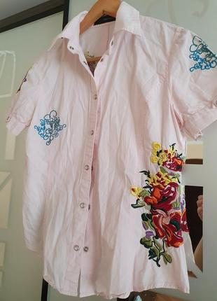 Красивая рубашка с вышивкой р.м италия