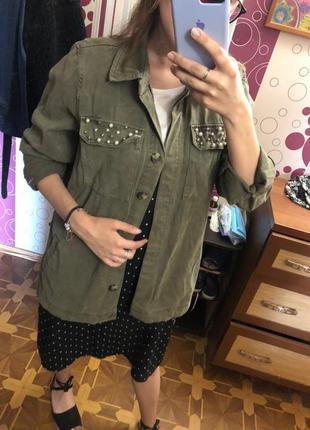 Джинсовка джинсовая куртка декор бусины хаки милитари джинсовка ветровка куртка курточка