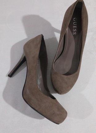 Замшеві туфлі  guess