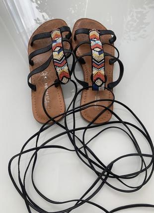 Сандали в греческом стиле tamaris