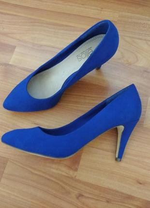 Яркие синие туфли лодочки ellos