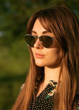 Солнцезащитные очки с зеркальным покрытием в металлической оправе