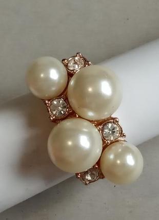 Массивное оригинальное кольцо 18,5 размера с жемчужными бусинами