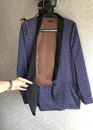 Легкий піджак дорогого бренду