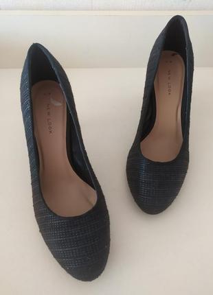 Текстильные туфли на каблуке