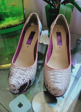 Туфли из натуральной кожи фирмы cravocanela