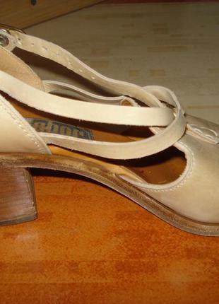 Нюдовые туфли босоножки gabor