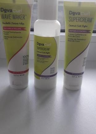 Devacurl средства для укладки кучерявых волос.