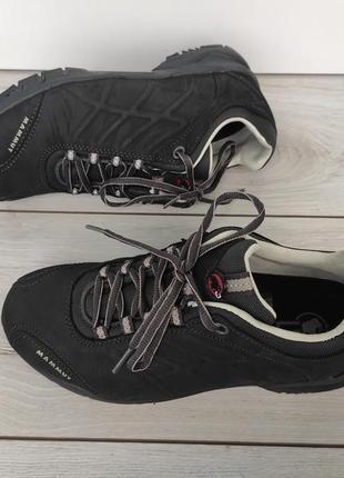 Новые оригинальные кожаные кроссовки mammut