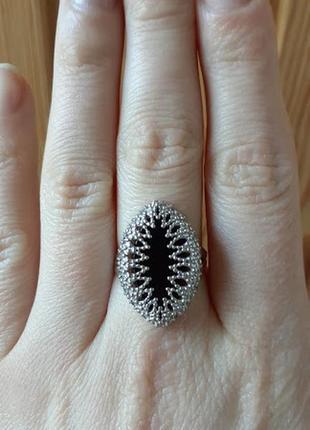 Серебряное кольцо  с ониксом   аккра 17 размер