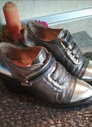 Сникерсы ботинки кроссовки