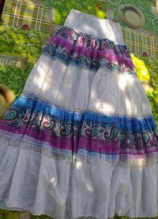 Белая юбка с кружевными вставками