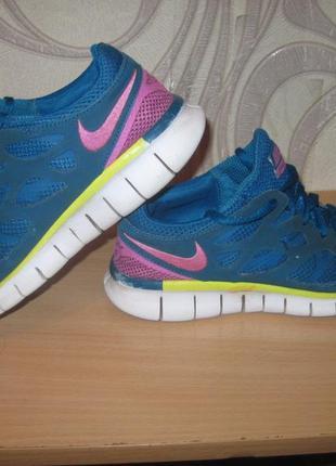 Продам кроссовки для занятия спортом,бегом,фитнесом фирмы nike
